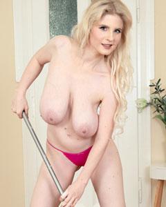 Casey Deluxe Homemaker